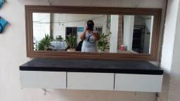 Móvel com 3 gavetas + espelho