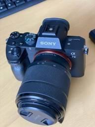 Sony a7III para profissionais exigentes, lente, cartões