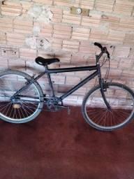 Vendo uma bicicleta  porque comprei  outra