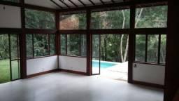 Excelente casa em condomínio 3 suítes - Itaipava -Petrópolis RJ
