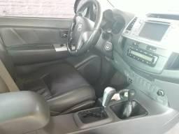 Vendo está Hilux SRV automática 4x4 - 2012