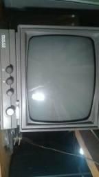 Tv Preto e branco funcionando perfeitamente