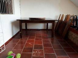 Mesa quadrada com 8 cadeiras e tampo giratório