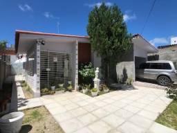 Casa em Olinda, 3 quartos + Dependência, Localização Privilegiada