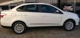 Vende-se Fiat Grand Siena Essence 1.6 flex - 2013