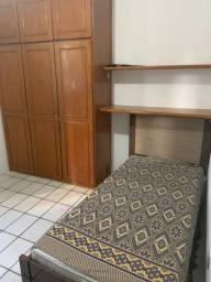 Alugo quartos p moças