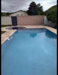 Casa c/ piscina bem localizado em Lauro de Freitas com 3/4