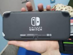 Vendo Nintendo Switch Lite ou troco por PS4
