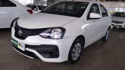 Etios Sedan 1.5 carro super conservado , trata com o Cardoso Watsapp 62-9  *