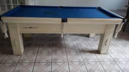 Troca de pano em mesa de sinuca