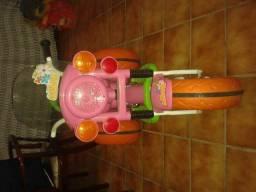 Vendo triciclo gatinha
