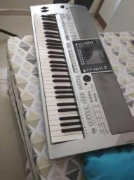 Vendo um teclado da Yamaha