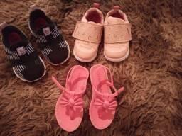 Vendo 2 tênis e uma sandália infantil