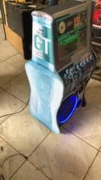 Máquina de músicas e karaokê