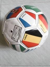 Bola De Futebol Com Estampa De Bandeira Nacional 22cm / 9 Polegadas,SEM USO/ACEITO TROCAS