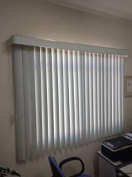 Persianas Verticais Cinza Claro, em PVC,  1,40 x 1,80, usada em bom estado.