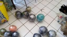 Bolas feitas de materiais reciclável