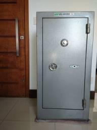 Cofre de segurança 1,20m x 60cm ( AxL)
