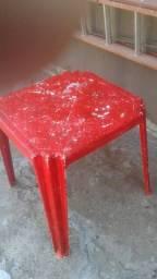Mesa  de plastico usada