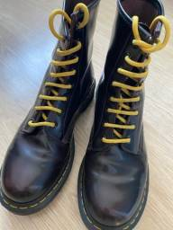 Coturno Dr Martens Chevy Red TAM 40