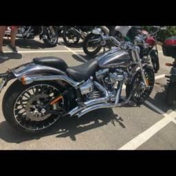 Novíssima Harley Breakout Softail FXS 2014 Conservada