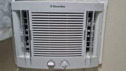 Tudo eletrodomésticos pra casa, ar condicionado , geladeira , máquina de lava.