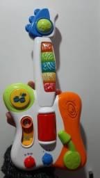 Brinquedo musical interativo.