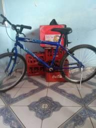 Vendo bicicleta nova...