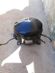 Compressor de refrigeraçao
