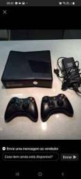 Xbox 360 2 controles jogos na memória tudo ok acesso a Netflix