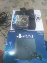 PS4 c 2 manetes e 4 jogos físico