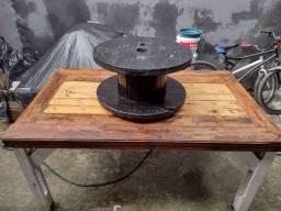 Mesa com rack
