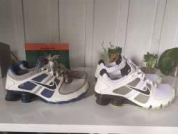 2 Nike shox