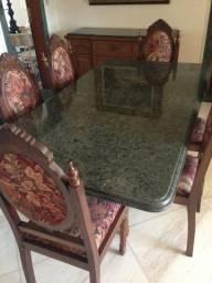Conjunto sala jantar com mesa, 6 cadeiras e buffet/oratorio em jacarandá