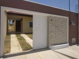 Escritura grátis, 2 quartos, 2 wc's, ônibus na porta, garagem, sala, coz, quintal