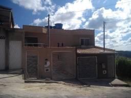 Ótima casa triplex , com 03 quartos , em Nova Benfica