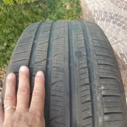 Pneus Pirelli Scorpion 255/60/18 - Semi-Novo