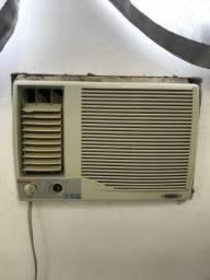 Vendo ar condicionado funcionando perfeitamente