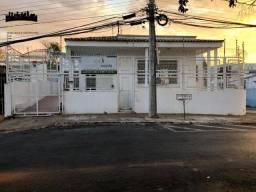 Casa à venda no Bairro Bandeirantes