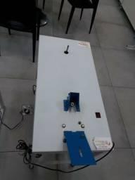 Máquina para fazer chinelos