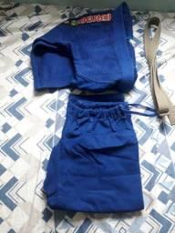 Kimono Shiroi infantil azul tam m3 R$ 240,00 aceito cartão.
