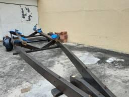 Carreta de encalhe muito reforçada para lancha até 21 pés