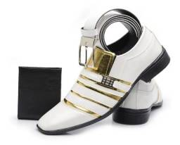 Sapato Social  Envernizado branco dourado N° 42