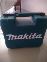 Furadeira de impacto Makita