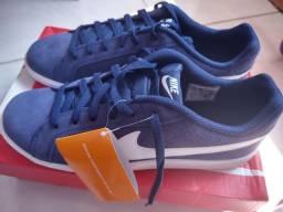 Tênis Nike novo e original n.43