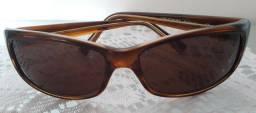 Óculos de sol marca Detroit, feminino, ótimo estado
