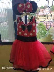 Fantasias no tema Minnie vermelha