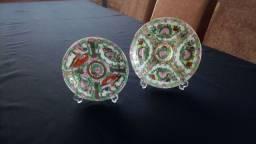 Lindo par de porcelanas chinesas antigas pintadas a mão