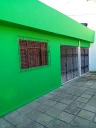 Casa em Mangabeira p/ alugar c/ 03 quartos