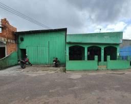 Vende-se propriedade com 3 Casas e Barracão